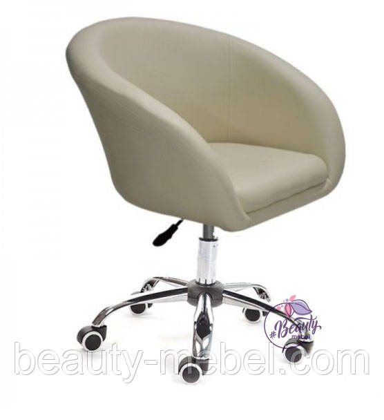 Кресло Мурат К, мягкое, на колесах, цвет бежевый.