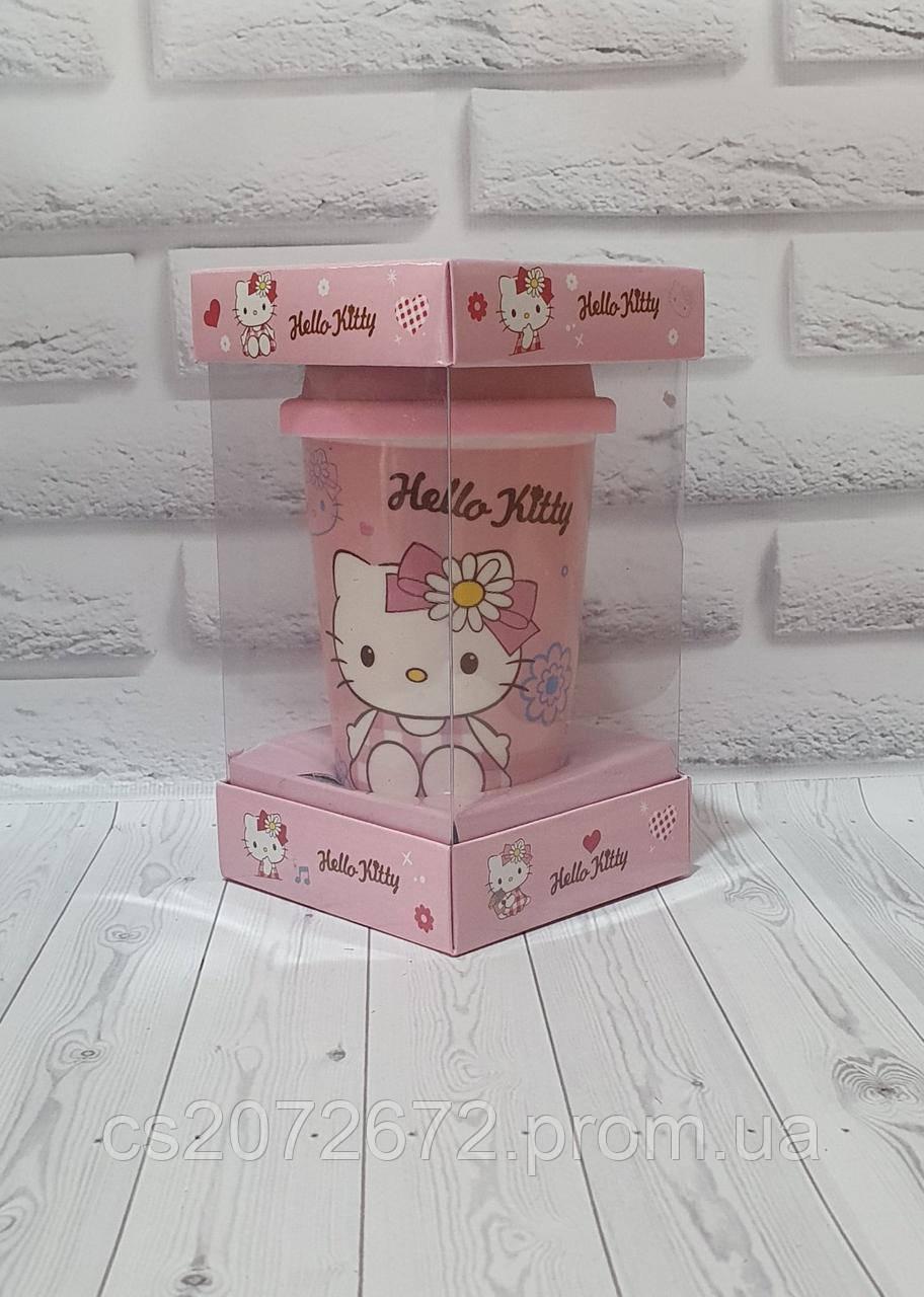 Кружка керамическая с силиконовой крышкой с поилкой Hello Kitty