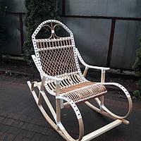 """Плетеное кресло-качалка из лозы """"Буковое + ротанг"""" белого цвета"""