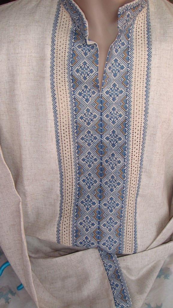 """Чоловіча вишита сорочка ручної роботи """"Зимний орнамент"""" (Мужская вышитая рубашка ручной работы """"Зимний орнамен"""