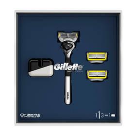Подарунковий набір Gillette Fusion (верстат з 1 змінною касетою + 2 змінні касети + підставка) 6921