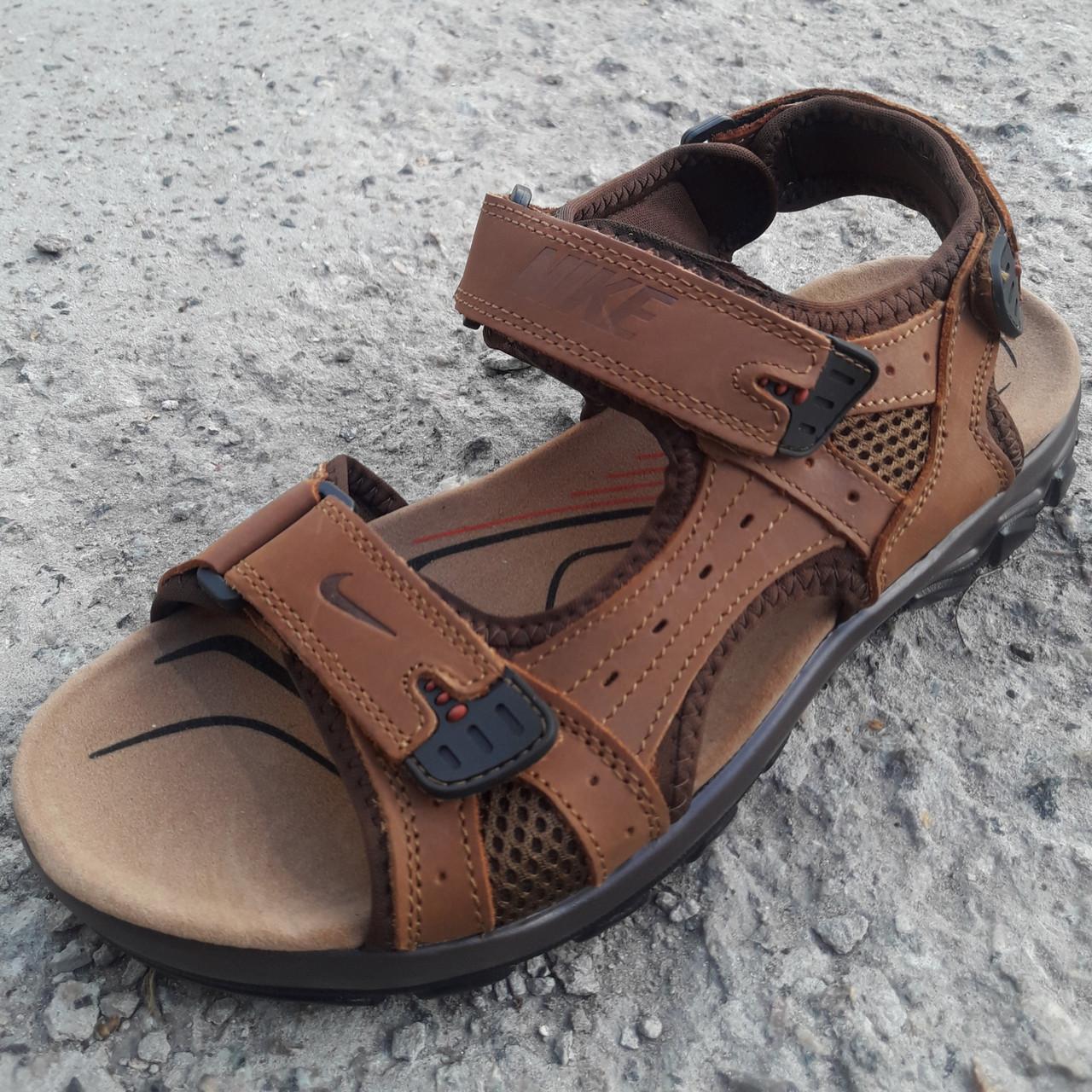 Сандалі чоловічі шкіряні р. 40 світло-коричневі Nike