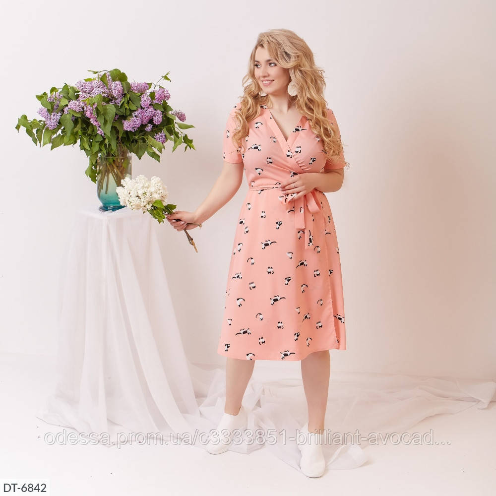 Яркое летнее платье на запах в актуальных цветах и с крутым принтом!