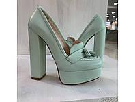 Женские туфли нежно бирюзовые на устойчивом каблуке