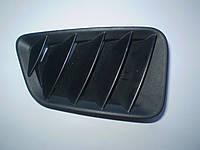 Решітка передня права під склом на торпеді (дефлектор) GJ6A 60 171 Mazda 6 2002-07, фото 1