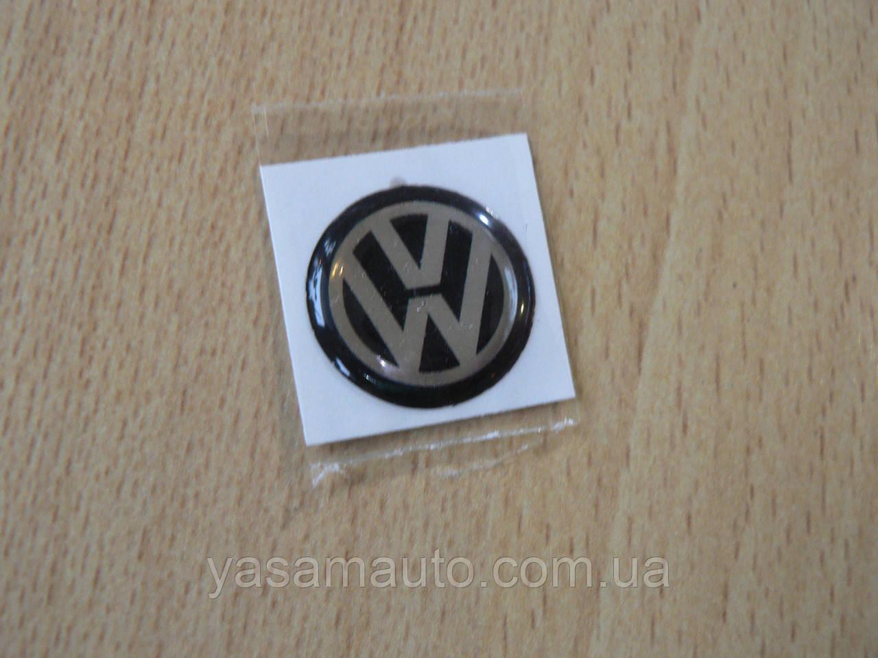 Наклейка s круглая Volkswagen 14х14х1.4мм черный фон силиконовая эмблема в круге на авто Волксваген сигнализац
