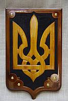 Тризуб символіка України на щиті різьбленний дерев'яний 40*25