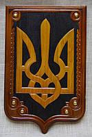 Тризуб - герб на щиті різьбленний
