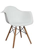 Кресло Leon Леон белый пластик с ножками из бука