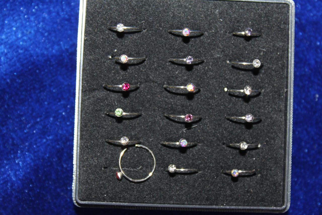 Сережка кольцо серебристая с цветным камнем для пирсинга носа 1 шт медицинская сталь