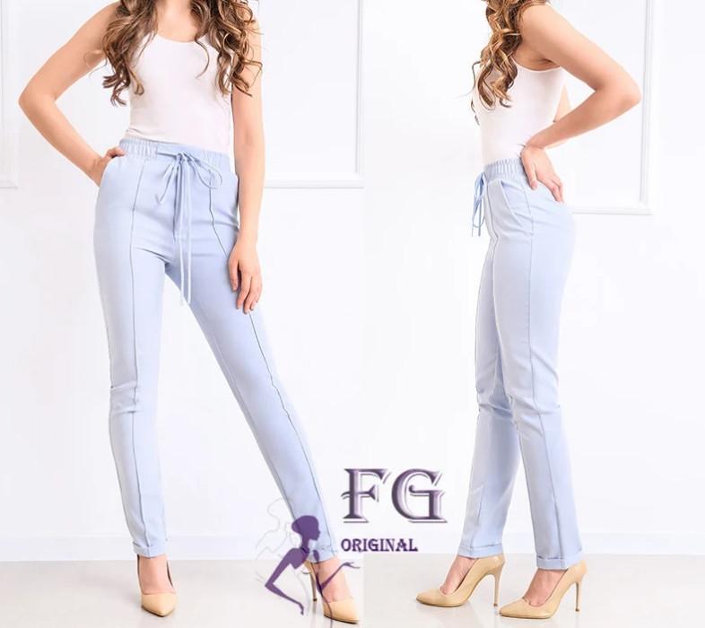 Легкие женские узкие брюки со стрелками и высокой посадкой большие размеры голубые