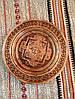 Декоративна різьбленна тарілка ручної роботи на стіну