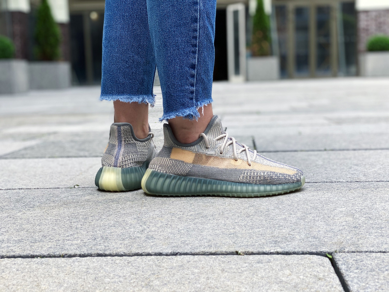 "Кроссовки женские Adidas Yeezy 350 Boost V2 ""Israfil"" / FZ5421 (Размеры:36,38,38,5)"