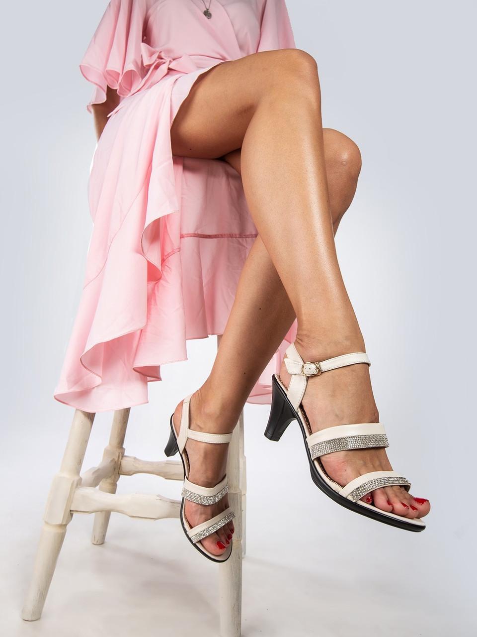 """Відкриті босоніжки жіночі """"ШКІРА"""" 8 пар в ящику бежевого кольору 36-41"""