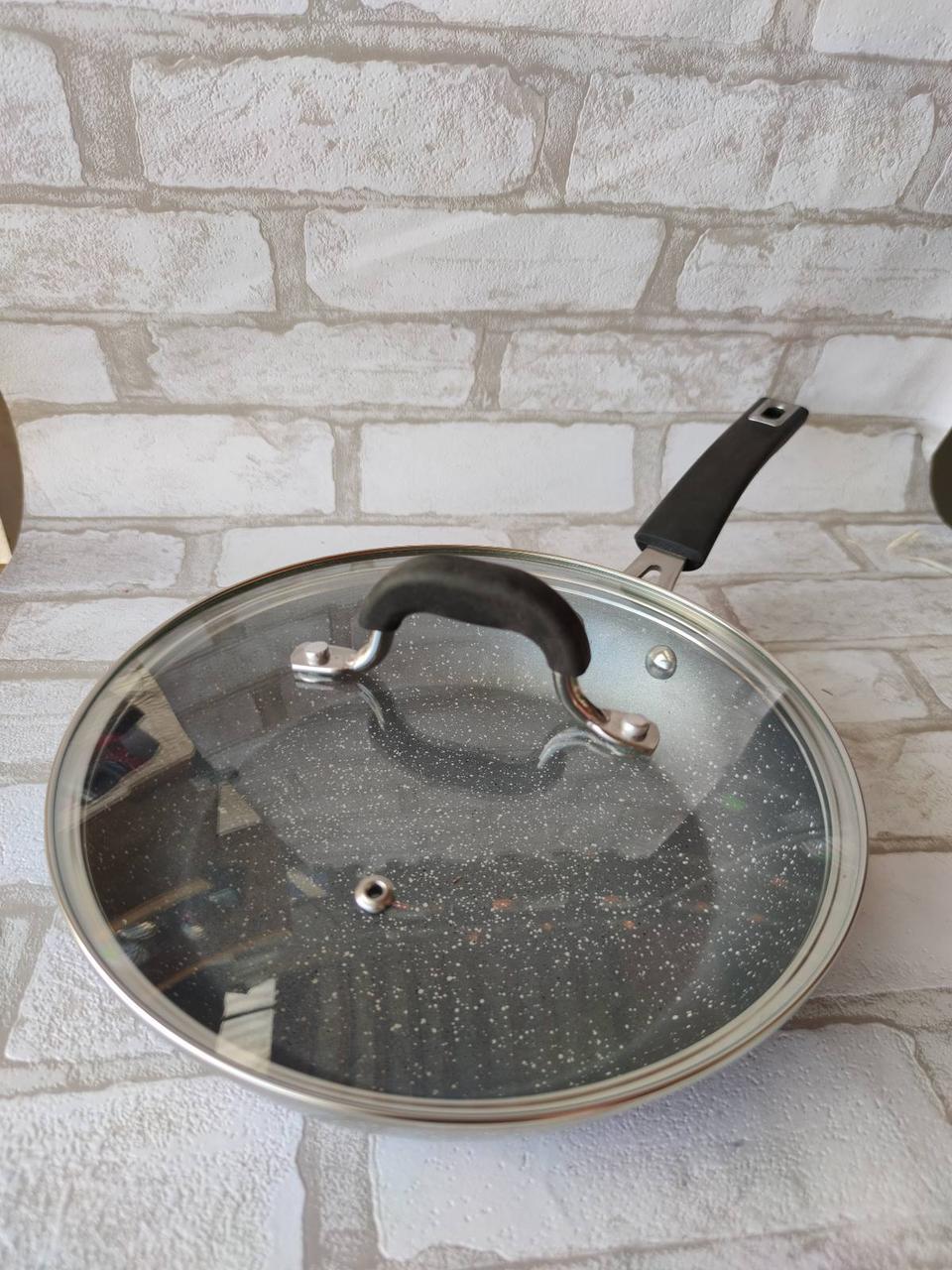 Сковорода з кришкою d-28 cм GUSTO GT-2107 615 грн