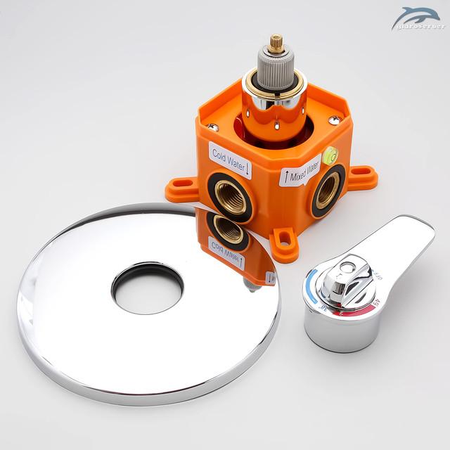 Набор для гигиенический душа SGD-01 с термостатическим смесителем скрытого монтажа.