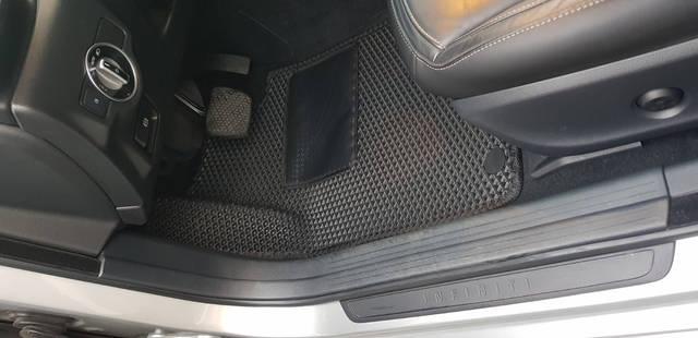 Наши EVA коврики в салонеInfiniti Q30 (QX) '16-. Водительский коврик сделан с 3D-лентяйкой. -1