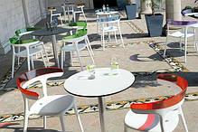Крісло з пластика біле сидіння, верх прозоро-червоний, фото 3