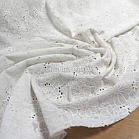 Ткань батист с вышивкой (прошва) цветы молочный