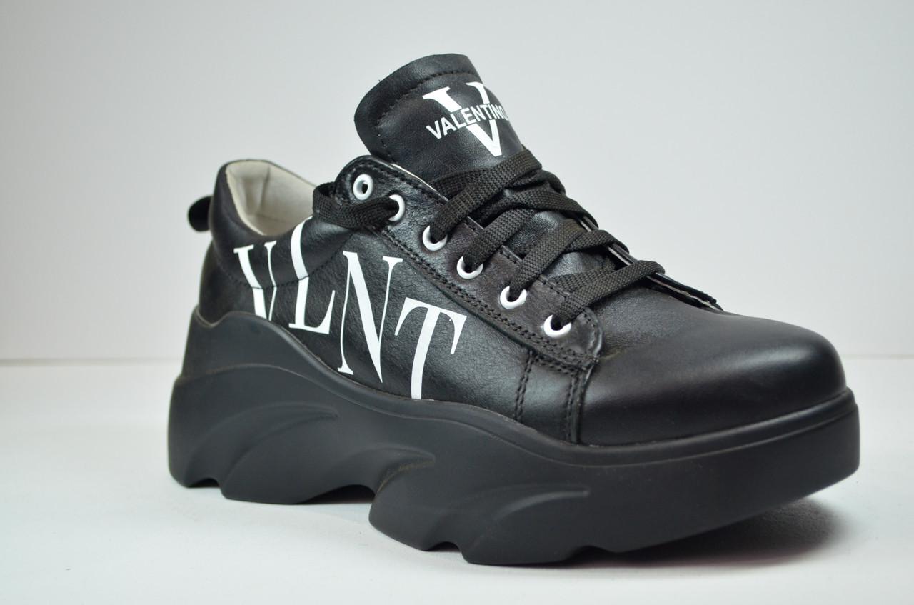 Женские кожаные кроссовки черные Valentino 40 - 01