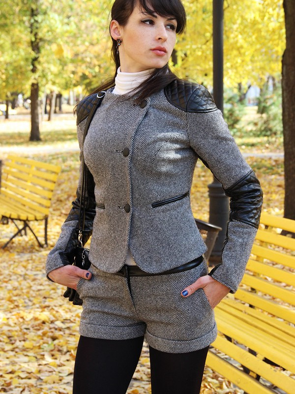Женские костюмы из твида