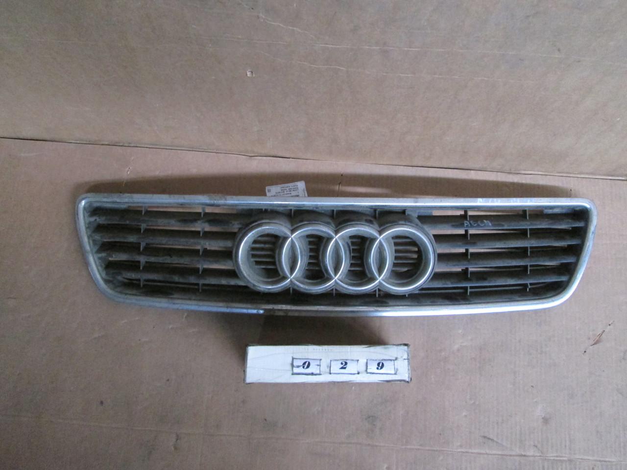 №29 Б/у Решітка радіатора для Audi A6 C4 1994-1997