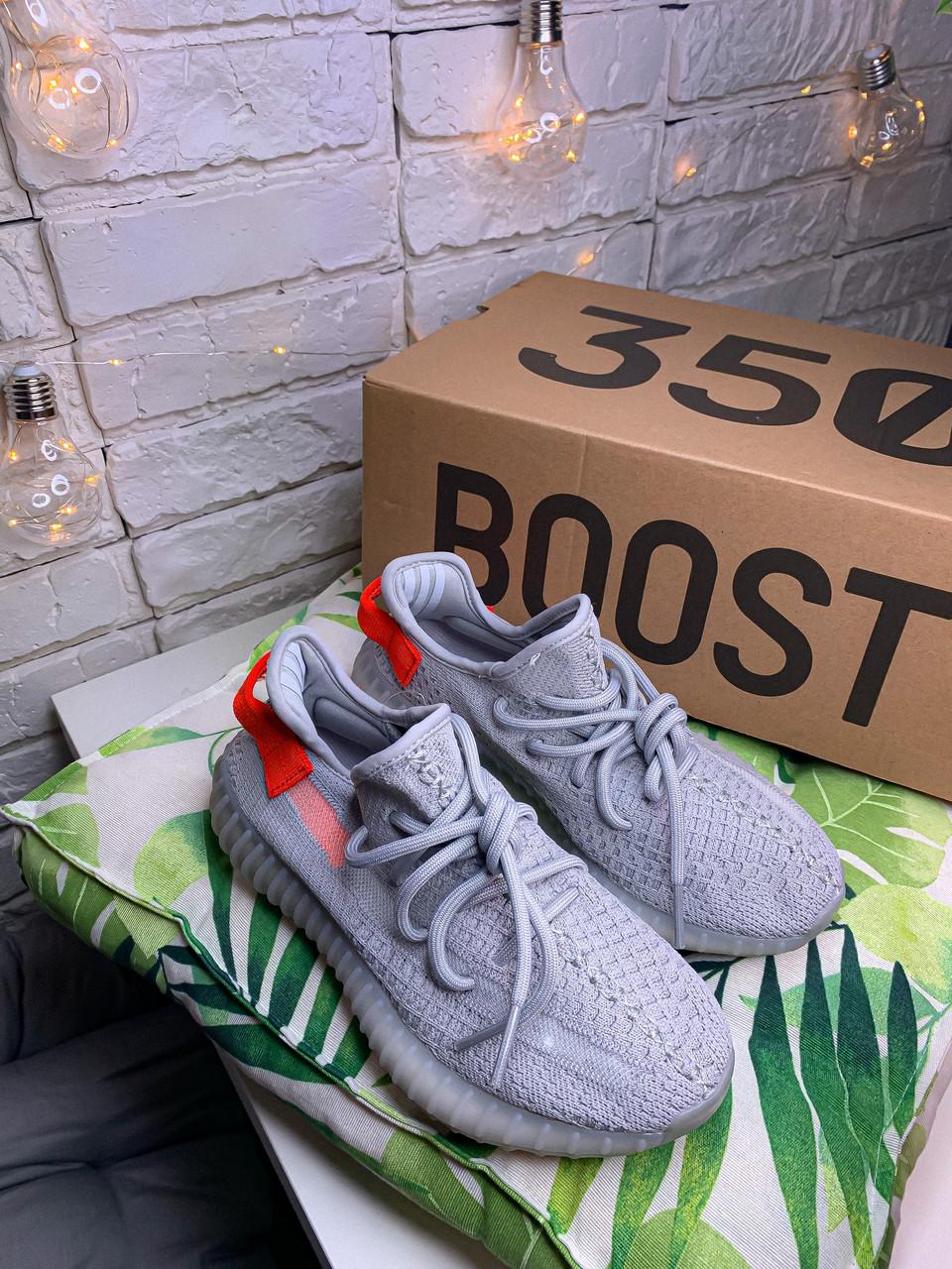 Женские кроссовки в стиле Adidas Yeezy Boost 350 v2 tail light, Адидас изи буст 350 (Реплика ААА)