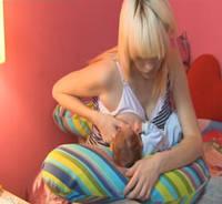 Подушка для беременных и для кормления детей (наполнитель наполнитель пенополистирольные шарики) EKO Womar