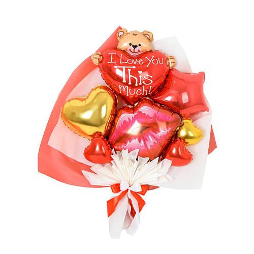 Букет с губами, мишкой с сердцем, красной звездой и золотым сердцем