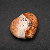 Сувенирный камень Яшма Пейзажная в форме сердца 37х40(+-)мм купить оптом в интернет магазине