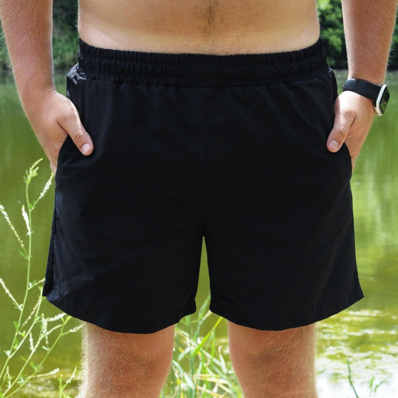 Мужские пляжные шорты черного цвета