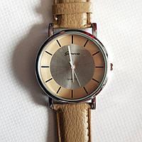 Наручные часы кофейного цвета