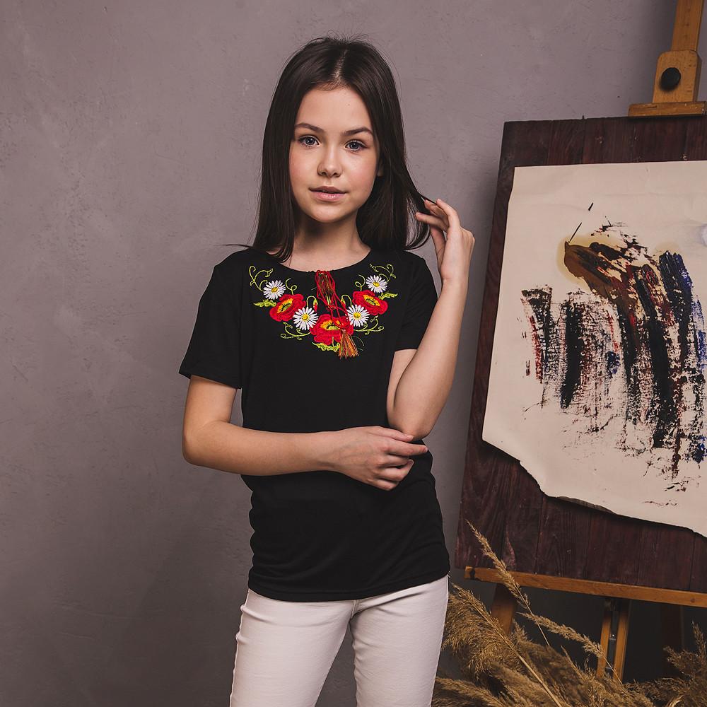 Вишита футболка Moderika Віночок чорна з квітами