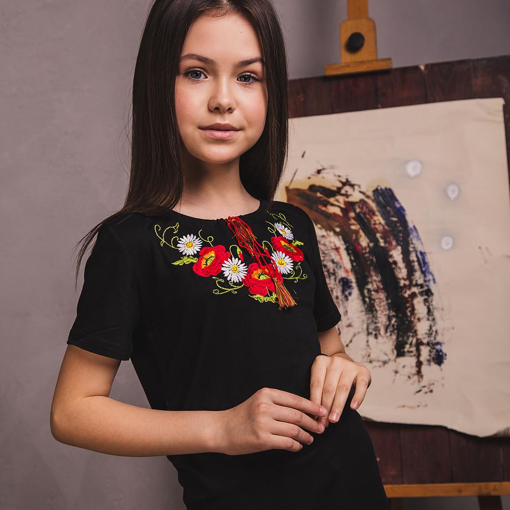 Чорна футболка з вишивкою для дівчинки Віночок