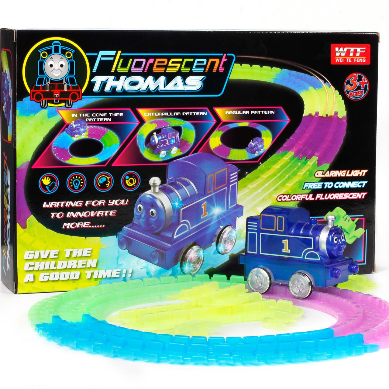 Светящаяся железная дорога паровозик Томас Fluorescent Thomas .