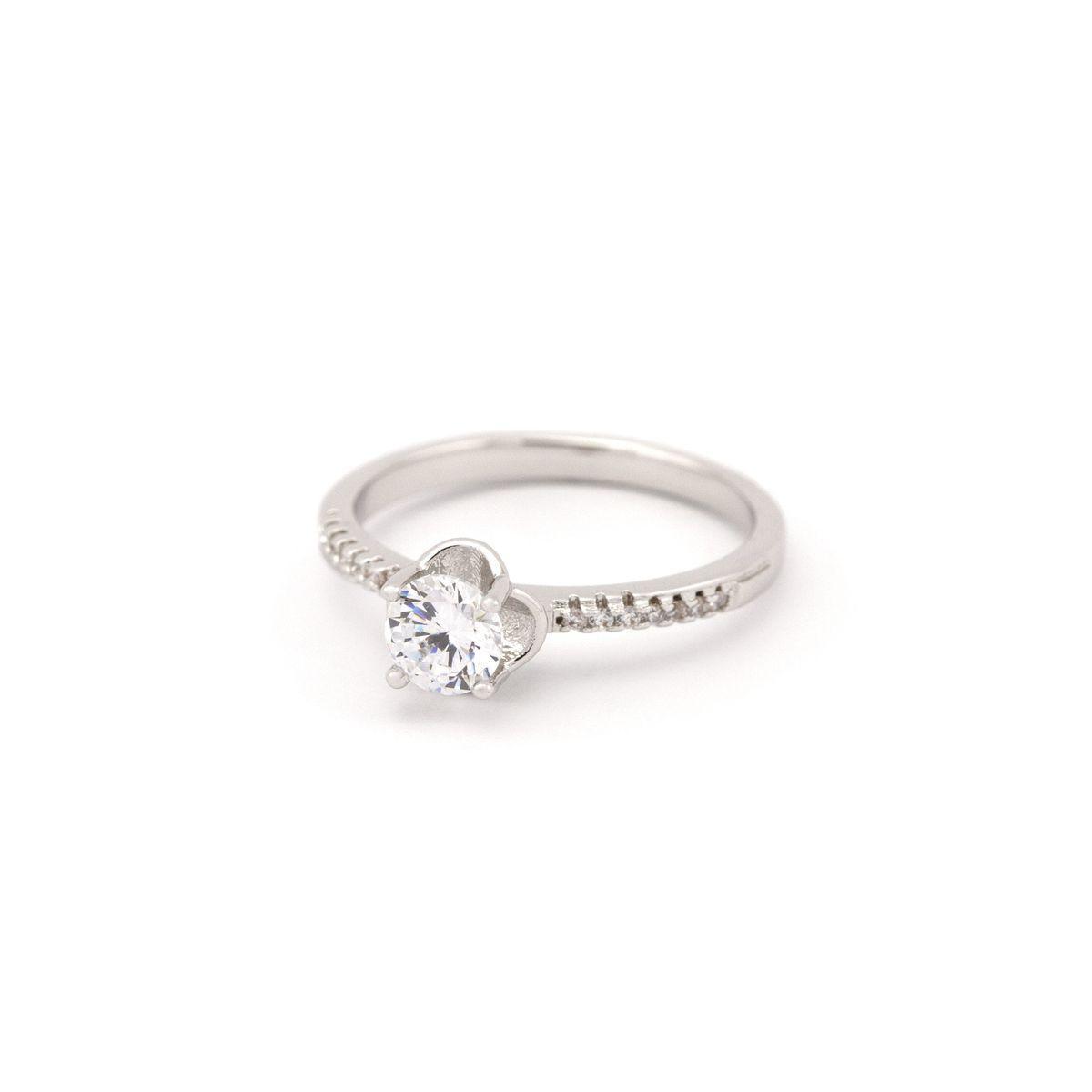 Кольцо в классическом стиле с камне по средине  60