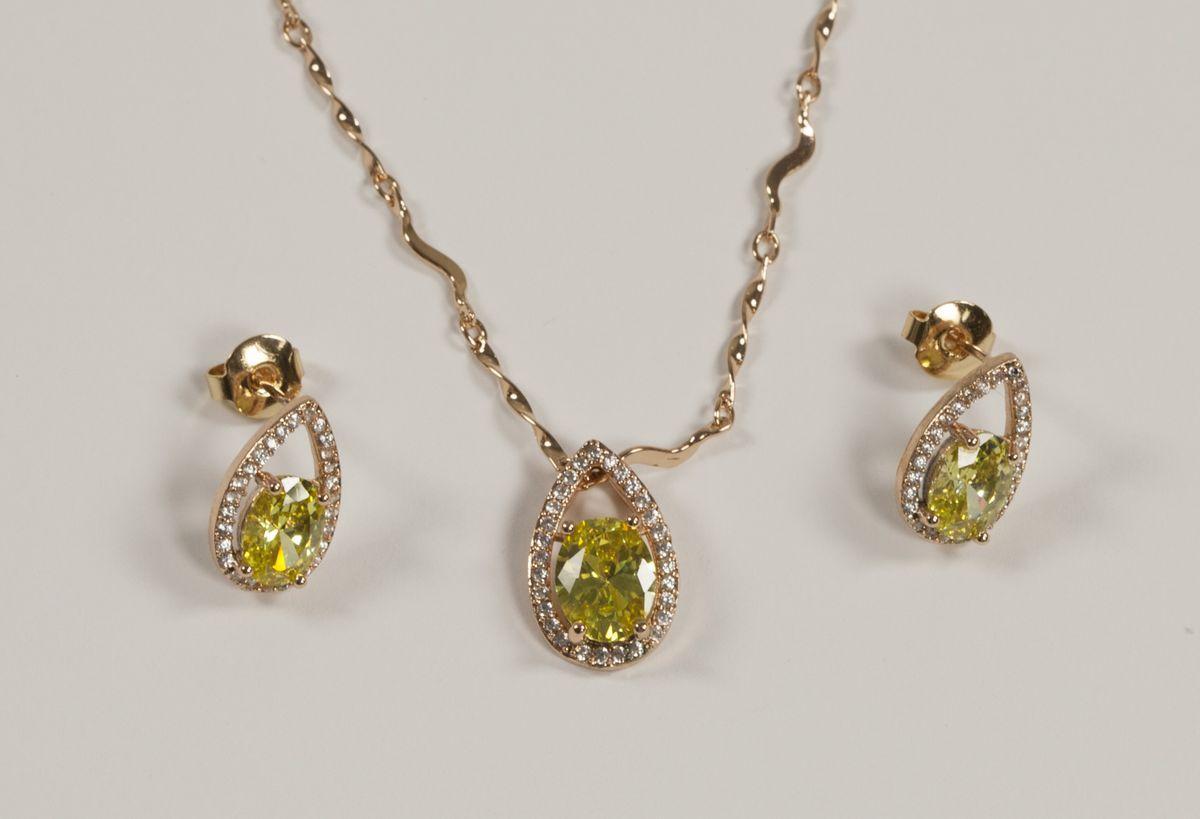 Гарнитур в классическом стиле с оливковыми камнями T 0370, N