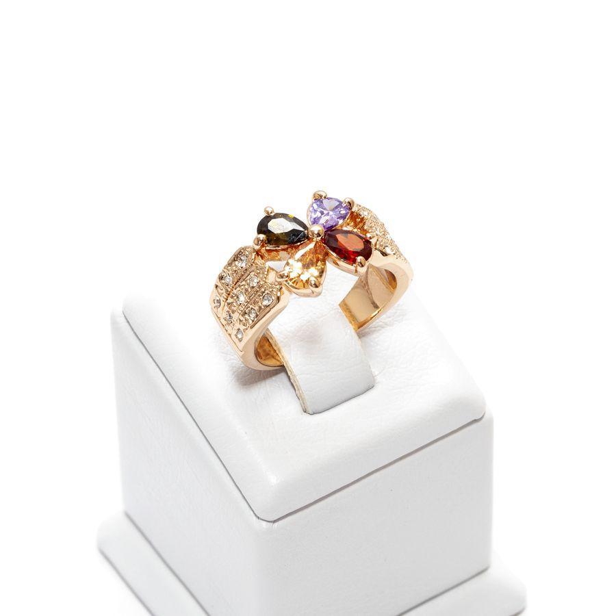 Кольцо цветочек с разноцветными камнями 646 KH01  AC, R