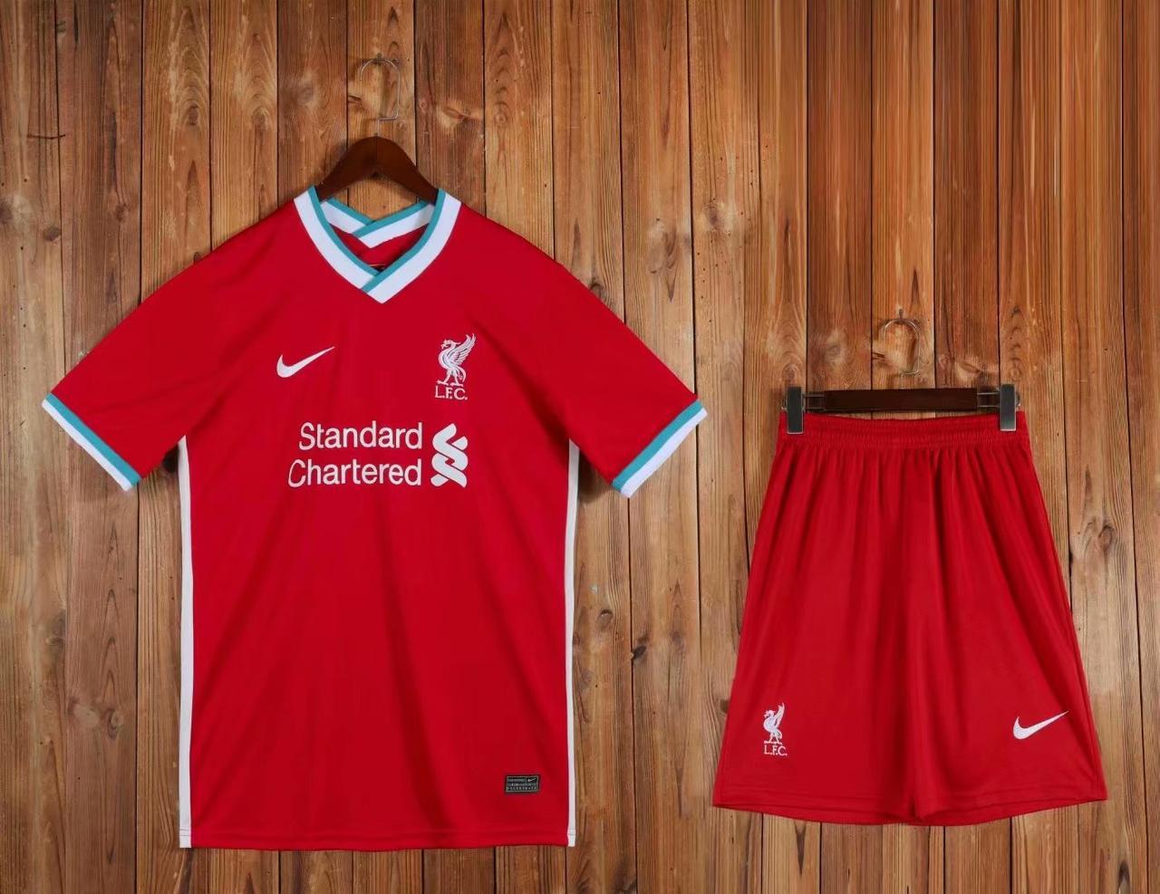 Футбольна форма Ліверпуль, Liverpool 20-21 домашня