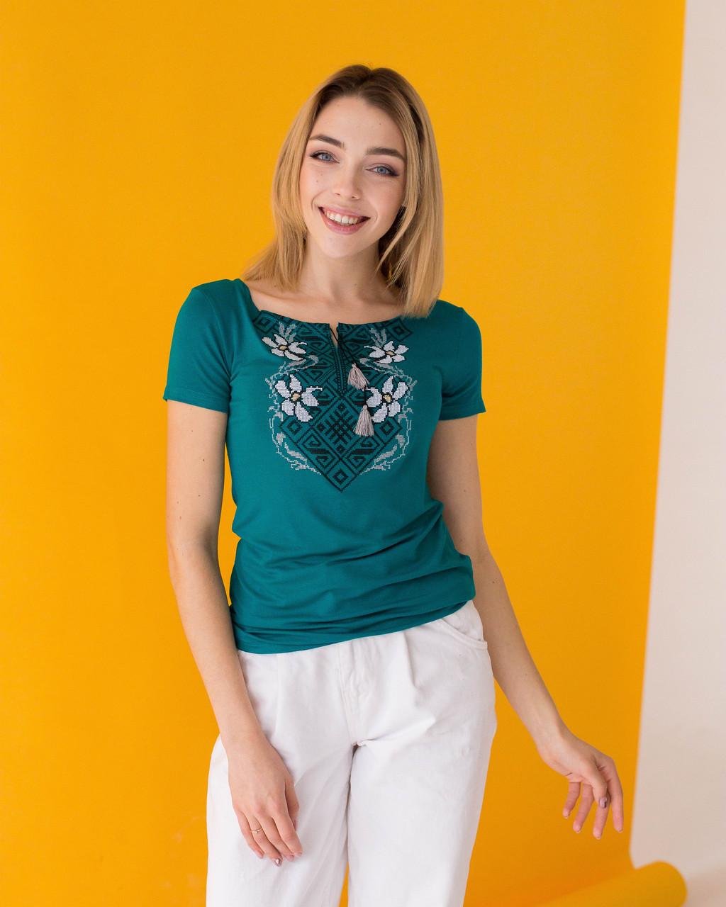 Оригинальная женская вышитая футболка на каждый день «Лилия»