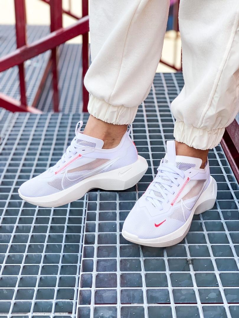Кроссовки женские Nike Vista Lite White/Red. Стильные женские белые кроссовки.