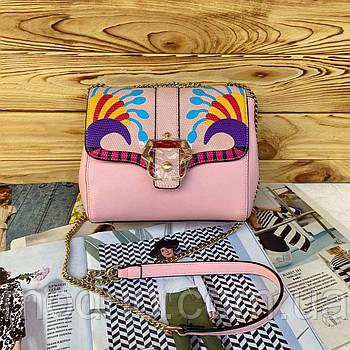Женская маленькая сумка на и через плечо на цепочке розовая