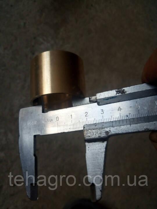 Втулка латунная (бронзовая) оригинального вязального аппарата Sipma . Размеры на фото.