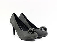 Серые замшевые женские туфли на каблуке