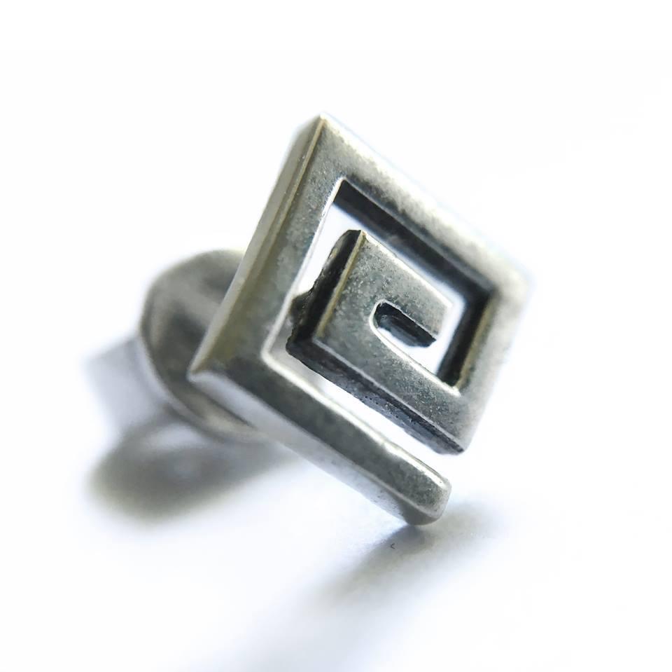 "Серьги-пуссеты ""G"" GATO Classy Jewelry"