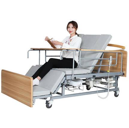 Медичне електро ліжко з туалетом і боковим переворотом Е04. Функціональне ліжко для інваліда. Ліжко для реабілітації., фото 2