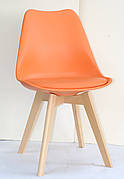 Стілець обідній пластиковий на дерев'яних ніжках Milan , помаранчевий 70
