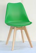 Стілець обідній пластиковий на дерев'яних ніжках Milan , зелений 44