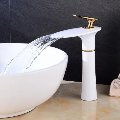 Смеситель для ванной. Модель RD-212-1 на столешницу Белый