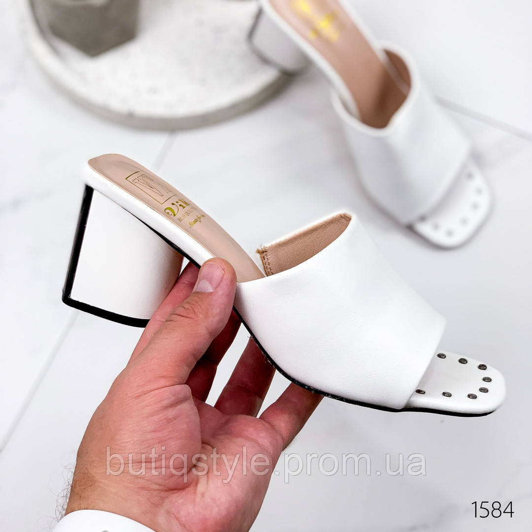 Женские белые шлепки эко-кожа на каблуке